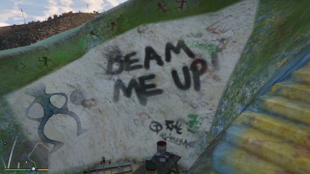 "Le tag ""Beam me Up"" (""téléportez moi en l'air"")."
