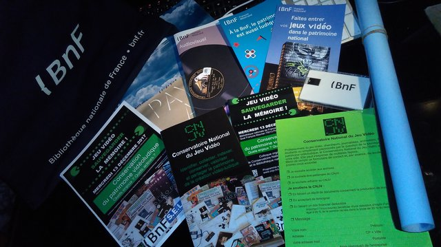 Lot de goodies et brochures BnF / CNJV.