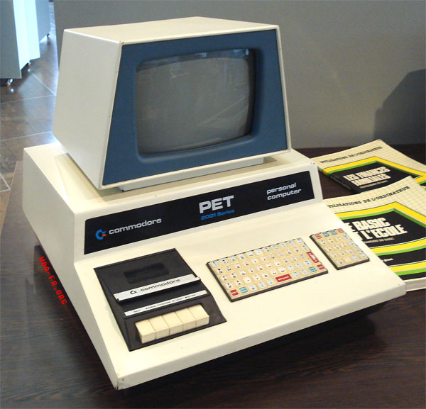 Un COMMODORE PET 2001.