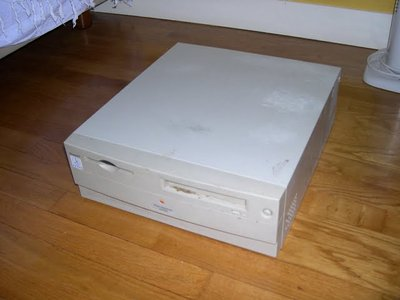 1 Power Macintosh 4400/200 (Merci WDA)